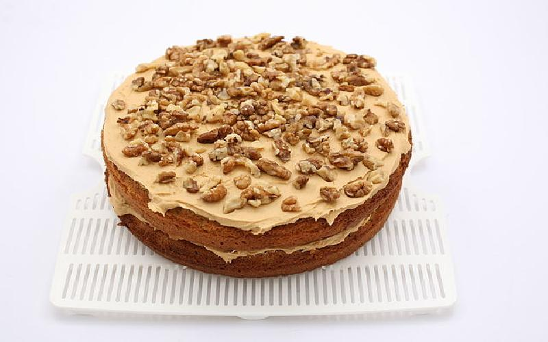 Basic Coffee Cake Recipe with Simple Ingredients to Make at Home
