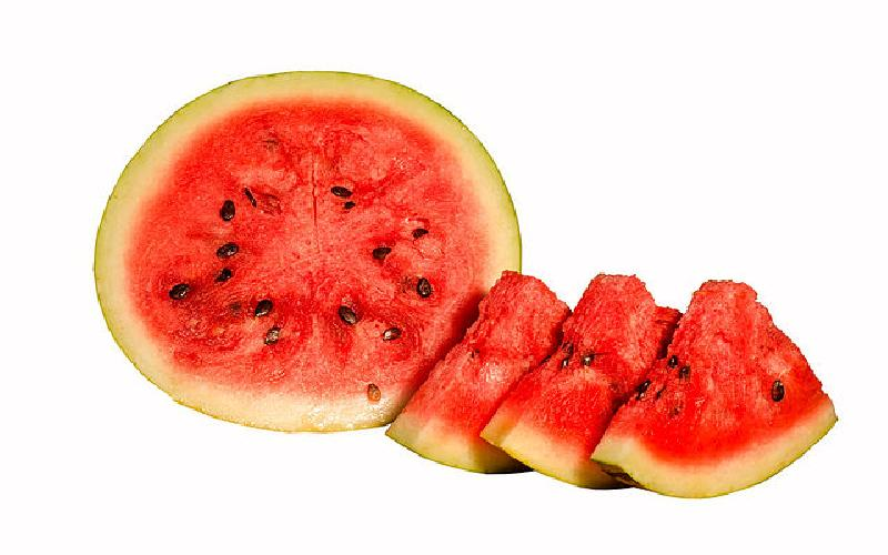 Watermelon Beauty Benefits on Face : How to Use Watermelon Juice for Skin In Summer