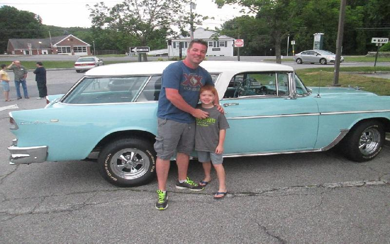 Classic Car Show at Bobo's Cafe is something to do on Saturday Night in Somers