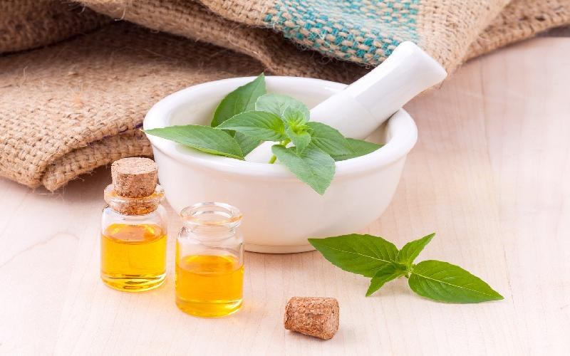 8 Best Ayurvedic Treatments for Glowing Skin