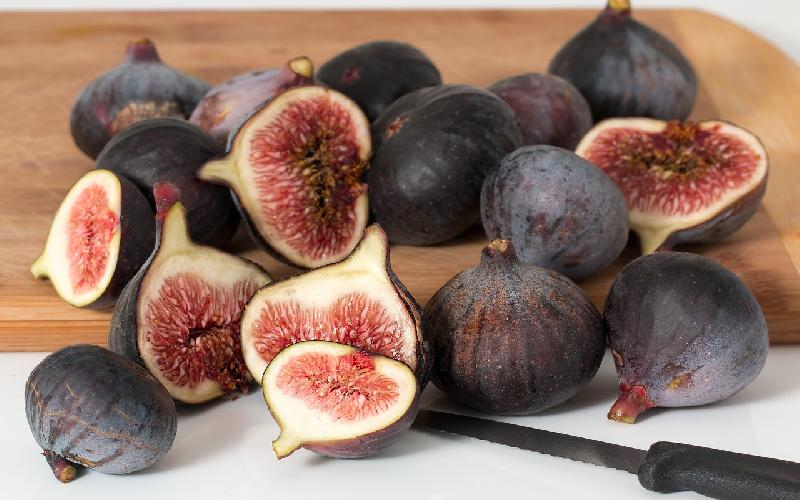 13 Amazing Health Benefits of Figs