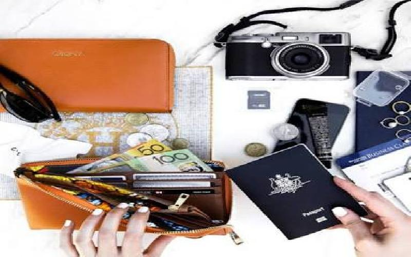 Travel :  Essential Things for your Carry-On Bag