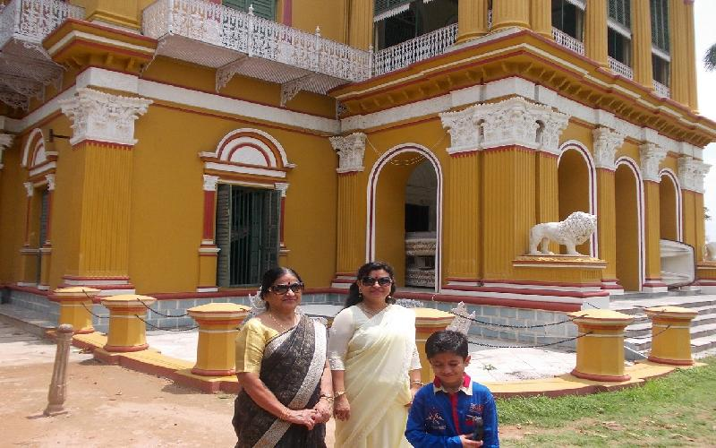 Importance of the Kathgola Palace in Murshidabad in West Bengal.