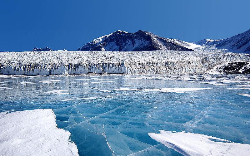 Reasons For and Against Developing Antarctica