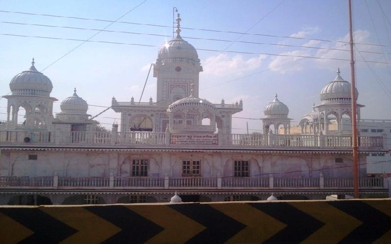 Visiting the Sikh Gurudwara at Dhule